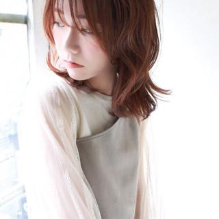 デート フェミニン ナチュラル可愛い ピンクベージュ ヘアスタイルや髪型の写真・画像