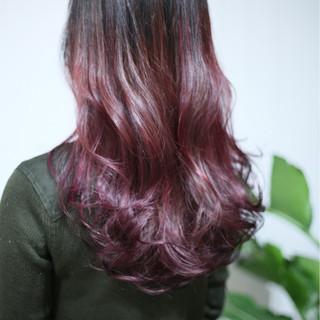 ハイライト ビビッドカラー ロング カラートリートメント ヘアスタイルや髪型の写真・画像 ヘアスタイルや髪型の写真・画像
