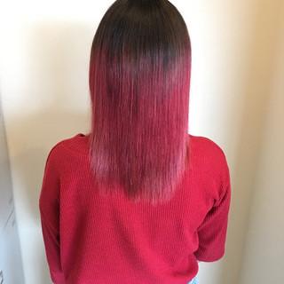 フェミニン レッド グラデーションカラー 艶髪 ヘアスタイルや髪型の写真・画像 ヘアスタイルや髪型の写真・画像