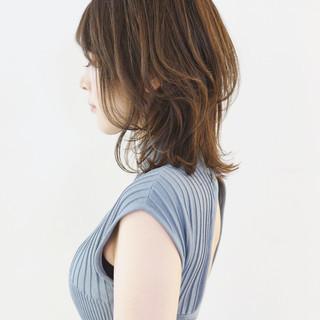 フェミニン ボブ ウルフカット レイヤースタイル ヘアスタイルや髪型の写真・画像