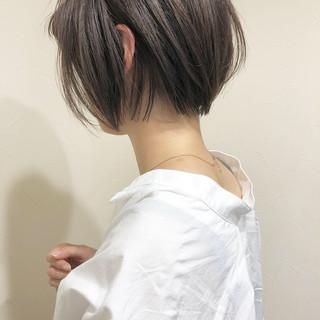 アッシュグレー アッシュ ショート ボブ ヘアスタイルや髪型の写真・画像