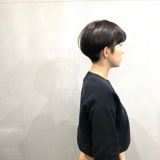 刈り上げ 小顔ショート ナチュラル ショートヘア ヘアスタイルや髪型の写真・画像