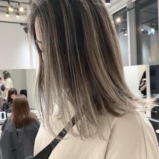 ミディアム 外国人風 ナチュラル グラデーション ヘアスタイルや髪型の写真・画像