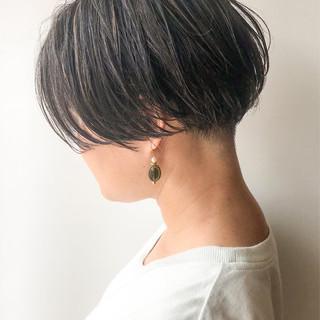 ハイライト コンサバ 大人かわいい 刈り上げ ヘアスタイルや髪型の写真・画像