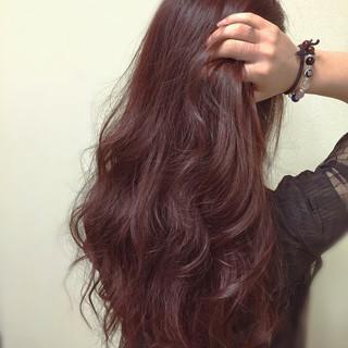 ピンク ラベンダーピンク スパイラルパーマ イルミナカラー ヘアスタイルや髪型の写真・画像