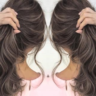 ゆるふわ グレージュ 透明感 上品 ヘアスタイルや髪型の写真・画像 ヘアスタイルや髪型の写真・画像
