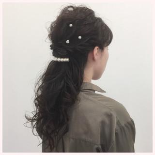 ヘアピン ロング 上品 結婚式 ヘアスタイルや髪型の写真・画像