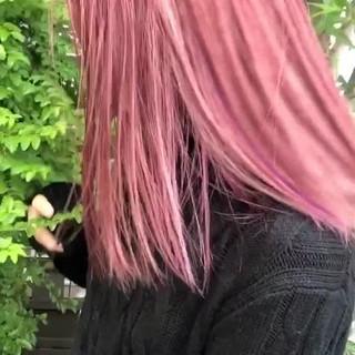 ブリーチ ベリーピンク ピンク インナーカラー ヘアスタイルや髪型の写真・画像