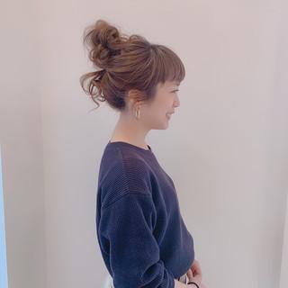 ヘアセット フェミニン セミロング お団子アレンジ ヘアスタイルや髪型の写真・画像 ヘアスタイルや髪型の写真・画像