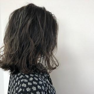 ロブ ハイライト 外国人風 イルミナカラー ヘアスタイルや髪型の写真・画像 ヘアスタイルや髪型の写真・画像