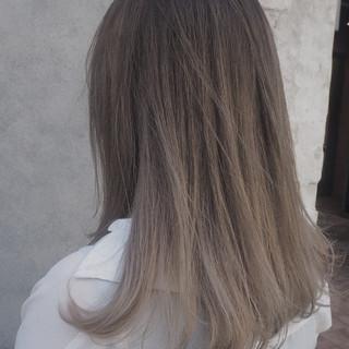 透明感 ミディアム ブリーチ モード ヘアスタイルや髪型の写真・画像