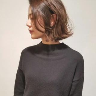 リラックス 外国人風 モード オフィス ヘアスタイルや髪型の写真・画像