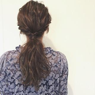 ブラウン ヘアアレンジ ゆるふわ 波ウェーブ ヘアスタイルや髪型の写真・画像