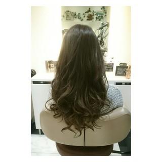 ロング 上品 グレージュ エレガント ヘアスタイルや髪型の写真・画像