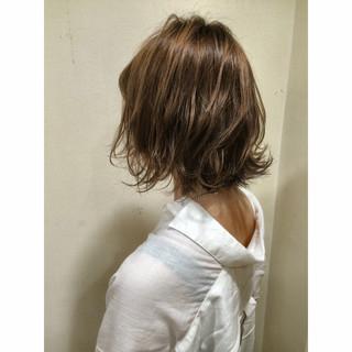 ストリート 大人かわいい ゆるふわ 春 ヘアスタイルや髪型の写真・画像