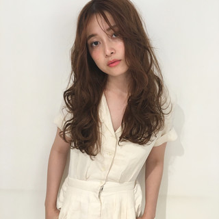アンニュイ ガーリー ロング パーマ ヘアスタイルや髪型の写真・画像 ヘアスタイルや髪型の写真・画像