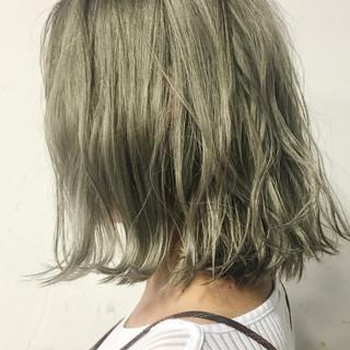 ハイライト 外国人風 くせ毛風 ナチュラル ヘアスタイルや髪型の写真・画像