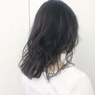 ミディアム ナチュラル グレージュ レイヤーカット ヘアスタイルや髪型の写真・画像