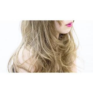 外国人風 ロング ストリート ハイトーン ヘアスタイルや髪型の写真・画像