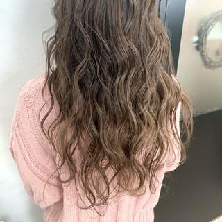ガーリー ミルクティーグレージュ ミルクティーベージュ ロング ヘアスタイルや髪型の写真・画像
