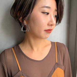 ショート ハイライト 小顔ショート ハンサムショート ヘアスタイルや髪型の写真・画像