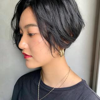 ハンサムショート 小顔ショート アンニュイほつれヘア 黒髪 ヘアスタイルや髪型の写真・画像