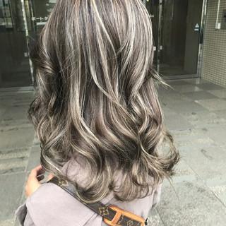 ミディアム 外国人風カラー エレガント グラデーションカラー ヘアスタイルや髪型の写真・画像 ヘアスタイルや髪型の写真・画像