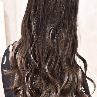 外国人風カラー グラデーションカラー ナチュラル ロング ヘアスタイルや髪型の写真・画像