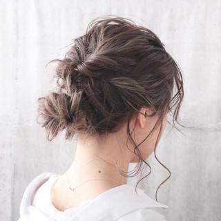 結婚式 簡単ヘアアレンジ デート ナチュラル ヘアスタイルや髪型の写真・画像 ヘアスタイルや髪型の写真・画像