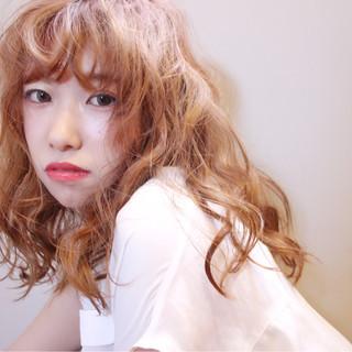 リラックス ガーリー 色気 デート ヘアスタイルや髪型の写真・画像 ヘアスタイルや髪型の写真・画像