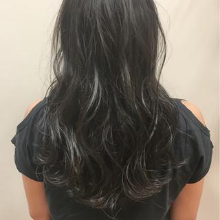 ナチュラル パーマ ハイライト ロング ヘアスタイルや髪型の写真・画像