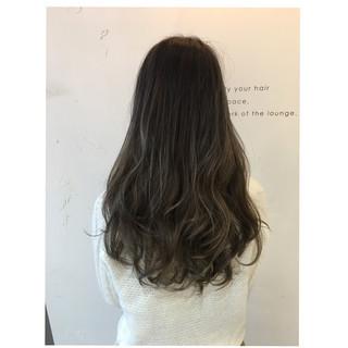 グラデーションカラー 外国人風 アッシュグレージュ モード ヘアスタイルや髪型の写真・画像 ヘアスタイルや髪型の写真・画像