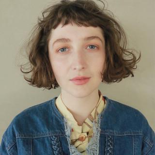 ナチュラル 前髪パーマ ミルクティー 外国人風 ヘアスタイルや髪型の写真・画像