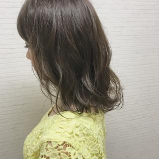 フェミニン インナーカラー 色気 アンニュイ ヘアスタイルや髪型の写真・画像