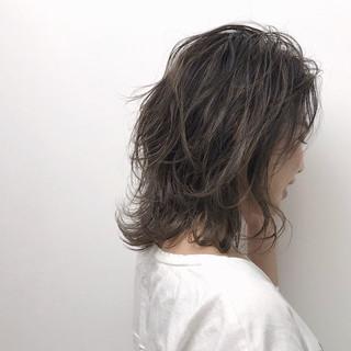 イルミナカラー おしゃれさんと繋がりたい エレガント アッシュグレージュ ヘアスタイルや髪型の写真・画像