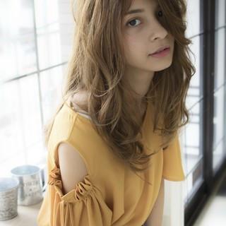 ウェーブ ナチュラル 大人かわいい 秋 ヘアスタイルや髪型の写真・画像