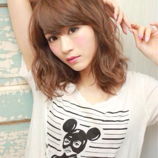 暗髪 ピュア パーマ ナチュラル ヘアスタイルや髪型の写真・画像 ヘアスタイルや髪型の写真・画像