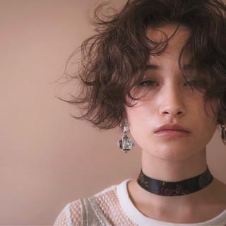 グレージュ 外国人風カラー ゆるふわ ショート ヘアスタイルや髪型の写真・画像
