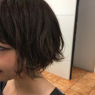 ショート ストリート グレージュ アッシュグレージュ ヘアスタイルや髪型の写真・画像 ヘアスタイルや髪型の写真・画像