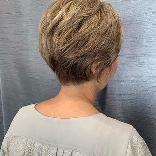 白髪染め 圧倒的透明感 ハイライト 大人ヘアスタイル ヘアスタイルや髪型の写真・画像