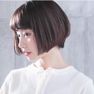 ショートヘア 小顔ショート ハンサムショート アッシュベージュ ヘアスタイルや髪型の写真・画像