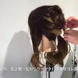 ルーズ 大人かわいい ヘアアレンジ フェミニン ヘアスタイルや髪型の写真・画像