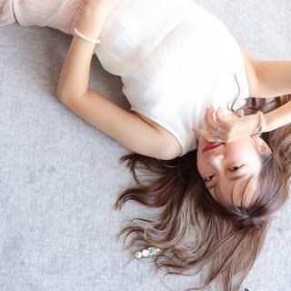 大人かわいい ハイライト ロング ヘアカラー ヘアスタイルや髪型の写真・画像