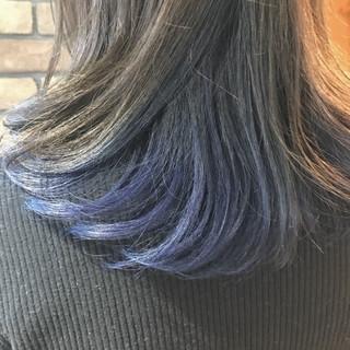 ラフ インナーカラー ストリート ブルー ヘアスタイルや髪型の写真・画像