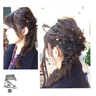 ナチュラル ロング 編み込み フィッシュボーン ヘアスタイルや髪型の写真・画像 ヘアスタイルや髪型の写真・画像