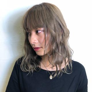 ゆるふわ ミディアム ミルクティーベージュ ウェーブ ヘアスタイルや髪型の写真・画像