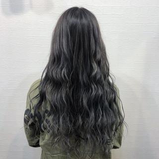 グラデーションカラー シルバーグレイ ロング 圧倒的透明感 ヘアスタイルや髪型の写真・画像
