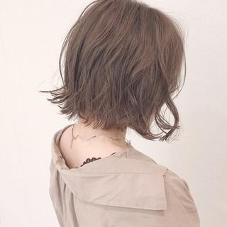 ナチュラル 切りっぱなしボブ アンニュイほつれヘア 簡単ヘアアレンジ ヘアスタイルや髪型の写真・画像