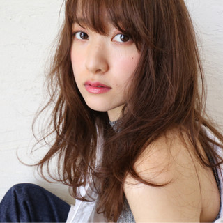 外国人風 ゆるふわ 大人かわいい レイヤーカット ヘアスタイルや髪型の写真・画像