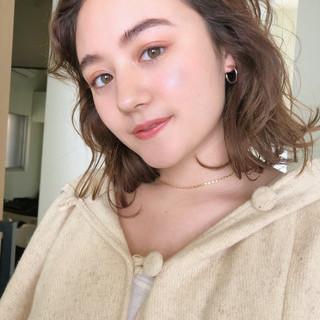 アンニュイほつれヘア アウトドア 大人かわいい ゆるふわ ヘアスタイルや髪型の写真・画像